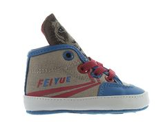 Baby boy lion hiptops by Feiyue. Funkylace up runners, to wear around the house or to wear out on the town. In a soft sole for to allow for beginners to walk comfortably.