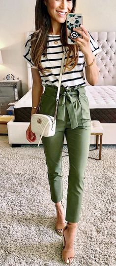 12 Easy Hacks That Will Instantly Make You Look More Stylish Impressive ou. 12 Easy Hacks That Will Instantly Make You Look More Stylish Impressive outfit with green pants and stripped top accessories Casual Work Outfits, Work Casual, Cute Outfits, Cute Business Casual, Business Casual Outfits For Women, Business Casual Clothes, Business Casual Fashion, Casual Tie, Business Look