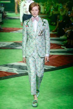 Gucci Spring 2017 Menswear Fashion Show - Gucci Menswear - Ideas of Gucci Menswear - Gucci Spring 2017 Menswear Fashion Show The L embroidery- Gucci Fashion, Fashion Show, Mens Fashion, Fashion Styles, Burberry Men, Gucci Men, Gucci Spring 2017, Gucci 2017, Vogue