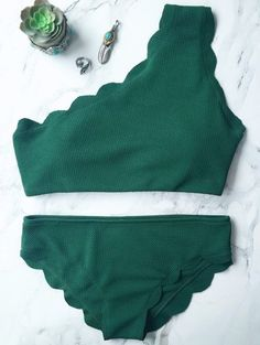 SHARE & Get it FREE | Wireless Scalloped One Shoulder Bathing Suit - Blackish GreenFor Fashion Lovers only:80,000+ Items • New Arrivals Daily Join Zaful: Get YOUR $50 NOW!