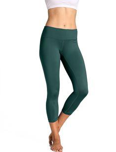 c7f22eb216717 CRZ YOGA Womens Running Tights Flex Capris Leggings Yoga Pants with Pockets  Hunter Green 21.5 M