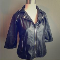 Jacket Super cuter and funky black jacket Tops