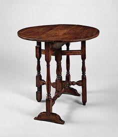1700-1725 American Gate-leg table at the Metropolitan Museum of Art, New York