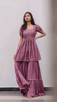 Party Wear Indian Dresses, Designer Party Wear Dresses, Pakistani Dresses Casual, Indian Gowns Dresses, Kurti Designs Party Wear, Dress Indian Style, Indian Fashion Dresses, Indian Designer Outfits, Indian Outfits