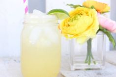 Ditch the margs for good and try my LSF Skinny Cinco de Mayo Drinks. My versions are all under 200 calories and DELICIOUS! Low Calorie Cocktails, Healthy Cocktails, Summer Cocktails, Refreshing Drinks, Yummy Drinks, Clean Drink, Love Sweat Fitness, Apple Sangria, Coctails Recipes