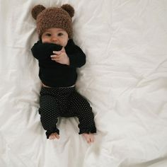 I melt for babies in bear toques!