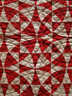 *swoon*  I LOVE kaleidoscope quilts!