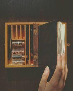Magazine Rack, Illustrator, My Photos, Storage, Vintage, Home Decor, Purse Storage, Decoration Home, Room Decor