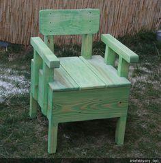 Drewniane krzesło ogrodowe | _(qp)_Drewniane place zabaw i zabawki.