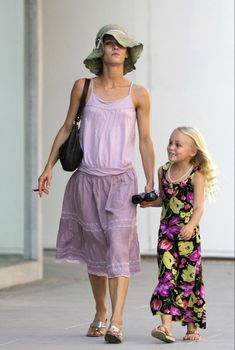 Lily Rose Melody Depp, Childhood Photos, Vanessa Paradis, Role Models, Celebs, Summer Dresses, Pretty, Outfits, Study Motivation