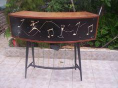 Maravilhoso Barzinho Anos 50 Com Pintura Frontal Assinado - R$ 1.200,00 no MercadoLivre