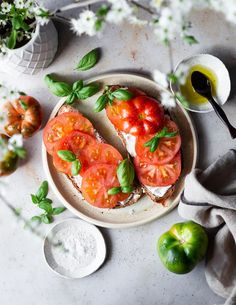 Behind the scenes with @minna_vauhkonen - Mylucie.com tomato- toast foodstyling Love Food, A Food, Vintage Cutlery, International Recipes, The Dish, Bruschetta, Fresh Rolls, Food Styling, Behind The Scenes