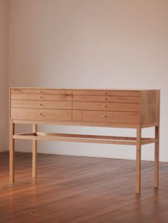 Office furniture design into the century Woodworking Furniture, Plywood Furniture, Cool Furniture, Furniture Design, Furniture Storage, Office Furniture, Woodworking Inspiration, Furniture Inspiration, Recycled Furniture