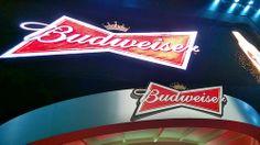 Budweiser Ambev cerveja monta hotel em Copacabana Bud Hotel funcionará durante a Copa no Hotel Pestana Bud House of Music 2014 FIFA World Cup
