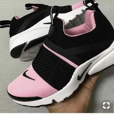 new product 8f1f4 52930 Black Nike Shoes, White Tennis Shoes, Women Nike Shoes, Cool Nike Shoes,