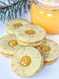 Linecké cukroví s mákem – The Olive Candy Recipes, Sweet Recipes, Cookie Recipes, Breakfast Biscuits, Breakfast Cookies, Christmas Sweets, Christmas Baking, Cranberry Cookies, Czech Recipes