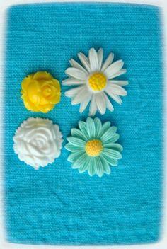 flowers cabochons 4 pcs by BlytheinWonderland on Etsy, $3.10