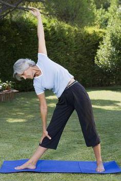 Exercises to Flatten the Stomach for Senior Citizens