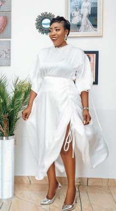 African Lace Dresses, African Fashion Dresses, Fashion Outfits, Casual Gowns, Elegant Dresses, Diy Clothes Alterations, Short Gowns, Glamour, African Print Fashion