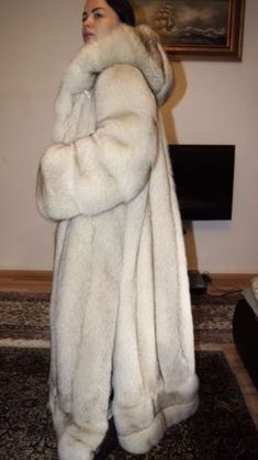 Nadire Atas on Fur Fashion, News, Photos and Videos - Vogue Puffer Coat With Fur, Long Fur Coat, Fox Coat, Crazy Outfits, Moda Vintage, White Fur, Fur Fashion, Classic Outfits, Fox Fur
