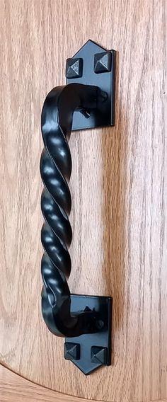 Craftsman #3 Door Pull with pyramid stud design & Amazon.com: Iron Valley - 9u0027u0027 Round Door Pull Handle - Solid Cast ...