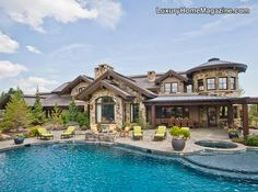 Retired Patriots star Drew Bledsoe is selling this gorgeous home in Oregon for $10M!