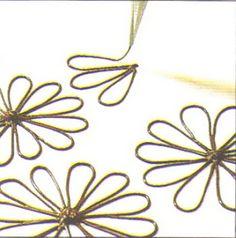 Csorgatott csokoládédekorációk (virág, csillag, szív, rács, pontok, pettyek)