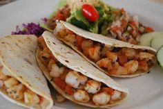 Los tacos gobernador son una marca registrada, y sólo en el Restaurante Los Arcos ,. Fue en esta empresa restaurantera donde inició la historia de este platillo. En 1987, recuerda Fausto Ángulo, propietario del restaurante, iniciaba el período de...