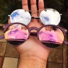Travel accessories cool 26 ideas for 2019 Stylish Sunglasses, Round Sunglasses, Mirrored Sunglasses, Sunglasses Women, Glasses Outfit, Fashion Eye Glasses, Glasses For Your Face Shape, Best Travel Accessories, Cool Glasses