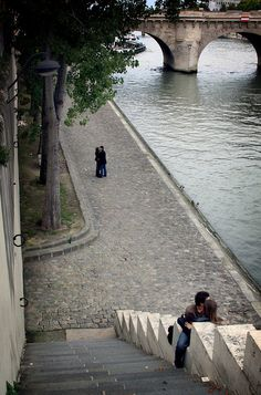 "Dans Paris. Looks like a scene from the movie ""An American in Paris"""