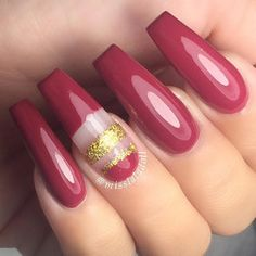 """Close up of this beautiful fall color """"Manhattan"""" by @lechatnails ✨"""