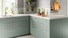 Homey Kitchen, Green Kitchen, Kitchen Doors, Kitchen Cabinets, Ikea Kitchen Design, Kitchen Planner, Pet Bottle, Drawer Fronts, Room