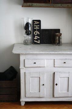 Valkoista pellavaa Decor, Furniture, Home, Storage, Cabinet, Home Decor