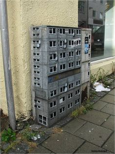 Electric box apartments by EVOL Installation Art, Public Art, Cool Pictures, Urban Creativity, Murals Street Art, Gorillas Art, Graffiti Art, Land Art, Art And Architecture