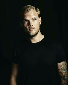Avicii Tim Bergling Sep 1989 – 20 Apr known professionally as Avicii, was a Swedish electronic musician, DJ, and songwriter. At the age of Bergling began posting his remixes on electroni Avicii, Dubstep, Tim Bergling, Alesso, Best Dj, Wake Me, Daddy Yankee, Aly And Fila, Electronic Music