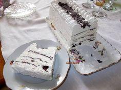 Viennetta fagylalt torta Vanilla Cake, Camembert Cheese, Sweet Tooth, Food And Drink, Ice Cream, Recipes, Hungarian Food, Cakes, Hungary
