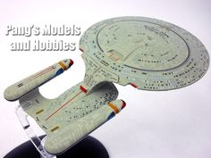 Star Trek USS Enterprise-D Model and Magazine #1 by Eaglemoss