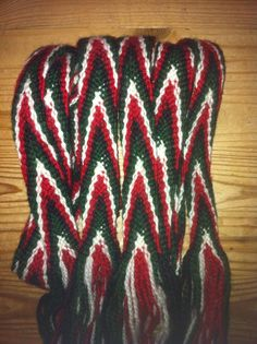 Finish flammaband Hand Crafts, It Is Finished, Blanket, Band, Crochet, Craft, Art Crafts, Sash, Ganchillo