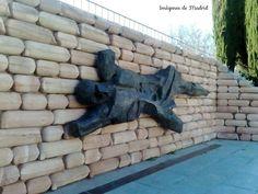 Monumento a los caídos en la toma y defensa del Cuartel de la Montaña
