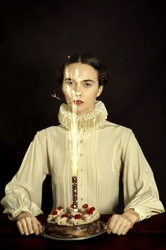 After Pop culture meets Flemish painting and Street Art meets Classical Painting, it is now the turn of the Argentinian artist and photographerRomina Ressia