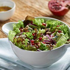 Sałatka z serem pleśniowym i granatem Lidl, Salad Bar, Guacamole, Potato Salad, Cabbage, Food And Drink, Snacks, Dinner, Vegetables