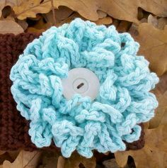 Domestic Bliss Squared: The Loopy Flower, a free crochet pattern!