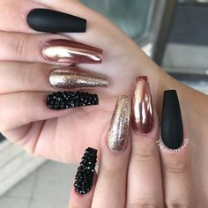 Beautiful nail art design to try this season - long coffin nails , autumn nails ,nail colors, fall n Autumn Nails, Winter Nails, Fabulous Nails, Gorgeous Nails, Matte Nails, Diy Nails, Manicure Ideas, Stiletto Nails, Acrylic Nails