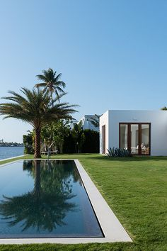 boldempire:  Bold Empire // House in Florida by 1100 architect