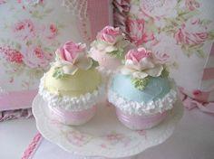 mooie roze taartjes