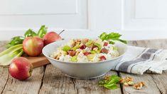 Waldorfsalat - Oppskrift fra TINE Kjøkken Waldorf Salat, Potato Salad, Serving Bowls, Tin, Potatoes, Tableware, Ethnic Recipes, Kitchen, Food