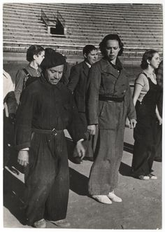 Spain - 1937. - GC - Training of the New People's Army, Valencia, March 1937//Gerda Taro