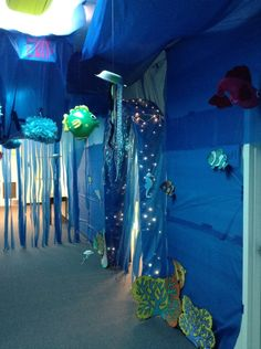 Blue plastic table cloths as water backdrop in lg group room. Underwater hallway leading into the classrooms hallway and out of the ocean! Vbs Themes, Ocean Themes, Ocean Crafts, Vbs Crafts, Under The Sea Theme, Under The Sea Party, Diy Room Decor For Teens, Diy For Teens, Submerged Vbs