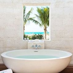 Outdoor bathtubs that will make you want to let it all hang out  get inspired at www.caymanlivingguide.com  All modesty can be…