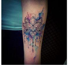 Tatuaż kwiat lotosu - wzory modne i kobiece, na różne części ciała - Strona 8